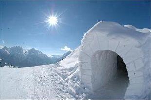 Sposób na oryginalny nocleg hotel iglo Pireneje