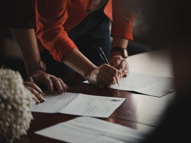 Jak sprzedać zadłużone mieszkanie dokumenty